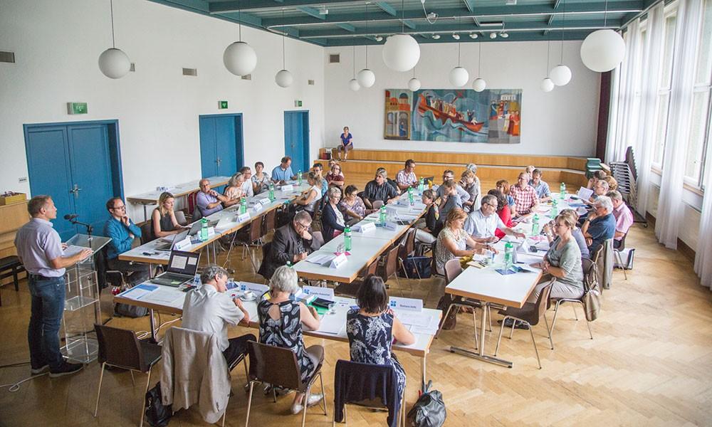 Arbeitsgruppen stärken inhaltliche Kompetenz der Diakonie Schweiz
