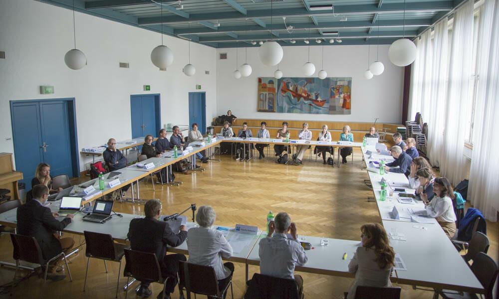 Diakonie Schweiz führt Erhebung zum Diakonat in den Kantonalkirchen durch